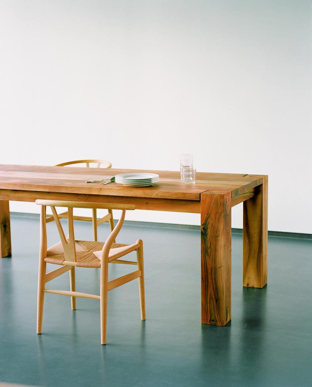 Bigfoot Table