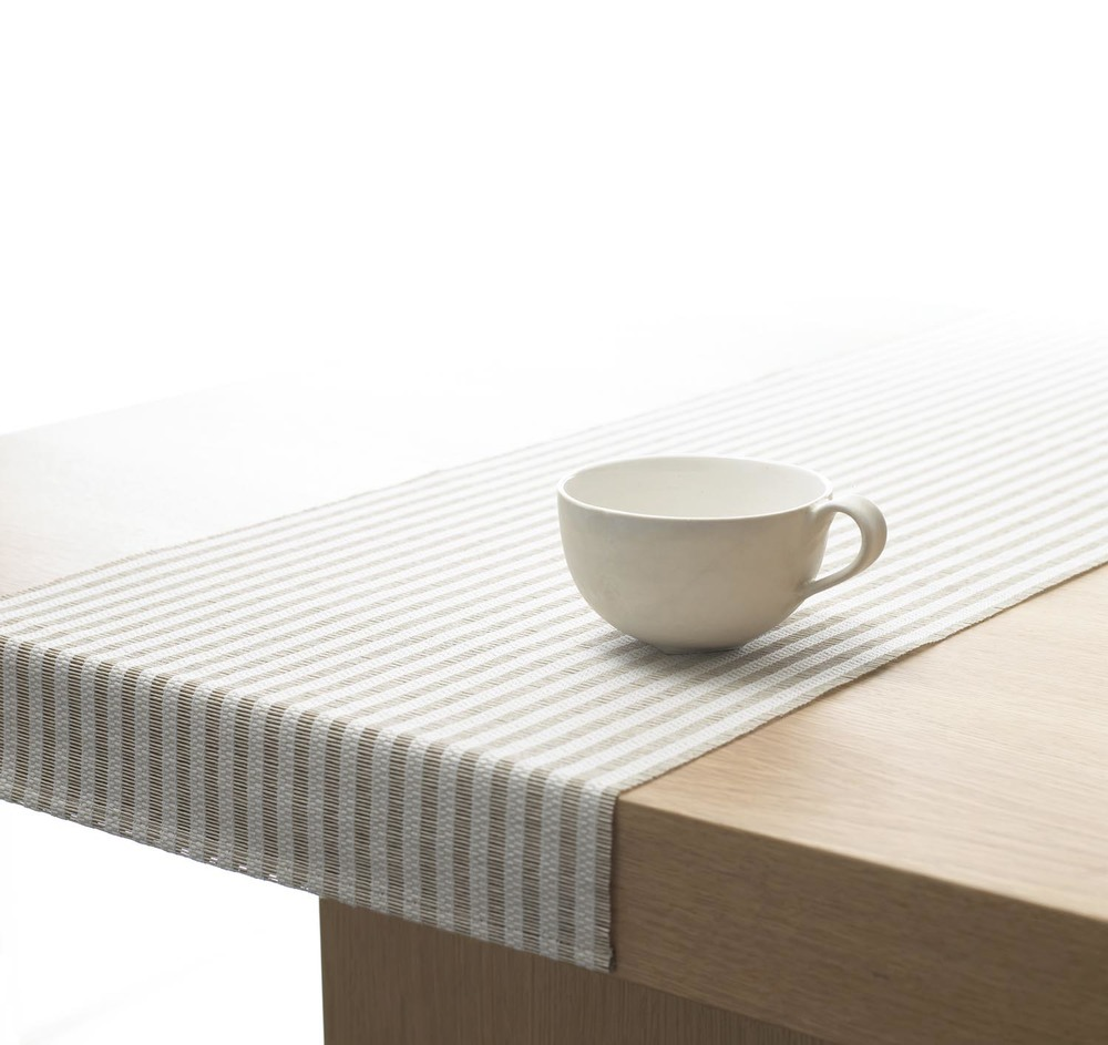 WOODNOTES Paper Yarn Table Runner