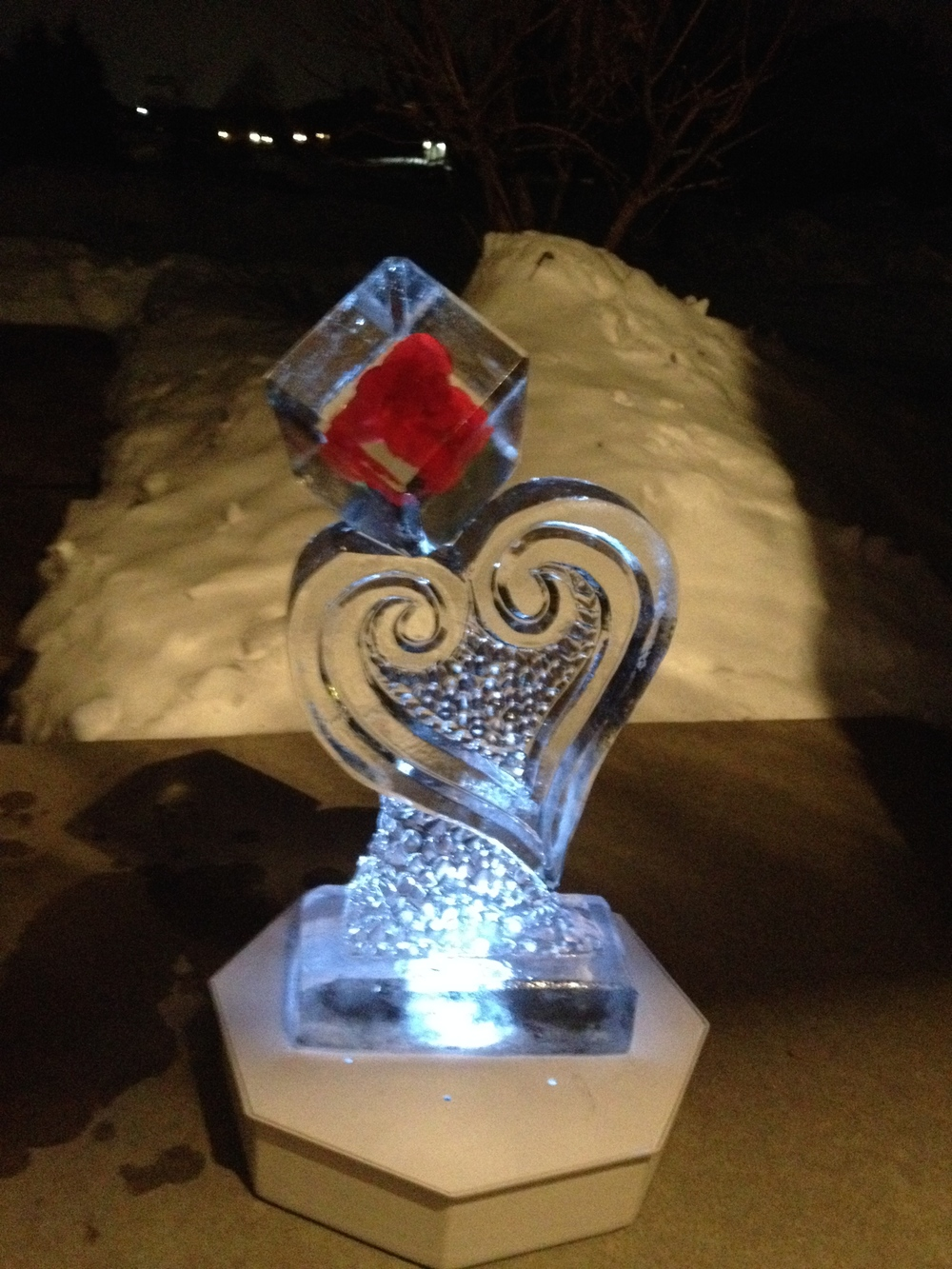 Tabletop-Ice Sculpture-Heart-Rose.jpg