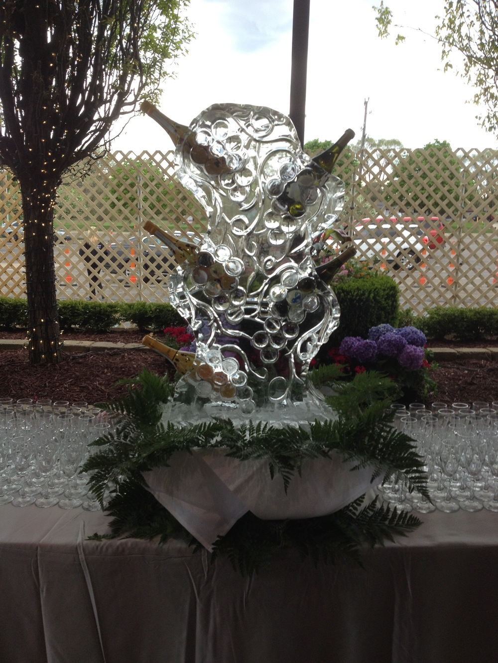 Champagne_Ice Sculpture.jpg