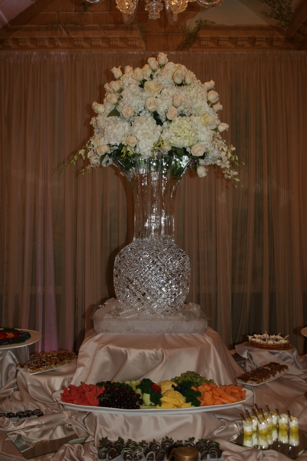 Crystal Cut Vase_ Ice Sculpture.jpg