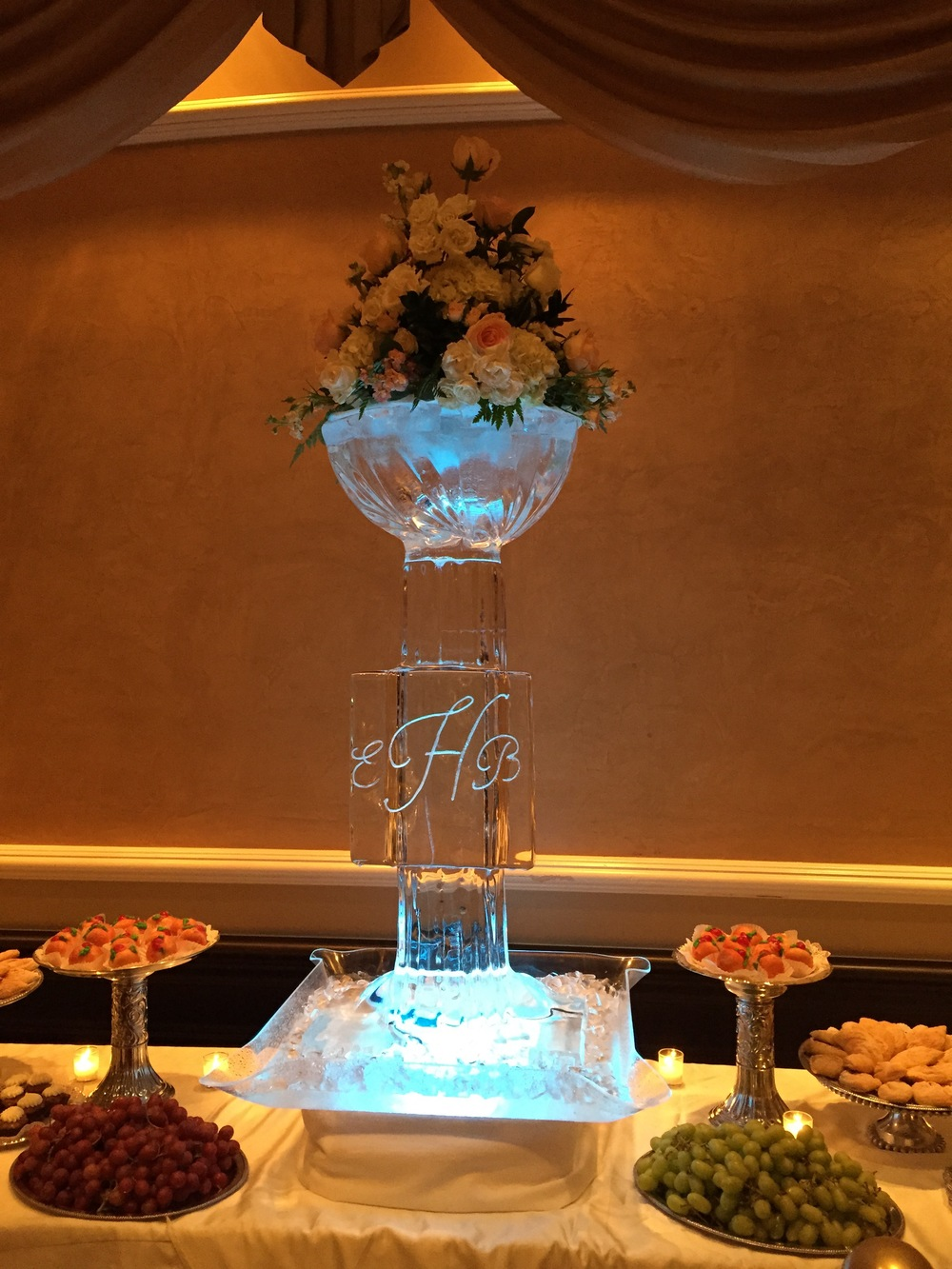 Pedestal Flower Bowl_ Ice Sculpture.jpg