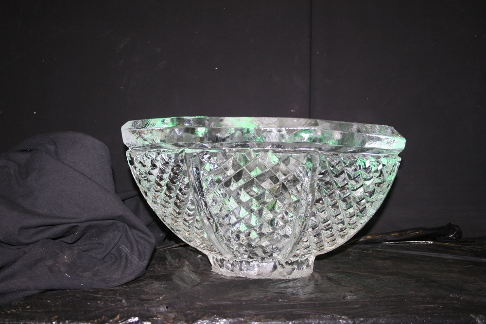 Crystal Cut Ice Bowl_Ice Sculpture.jpg