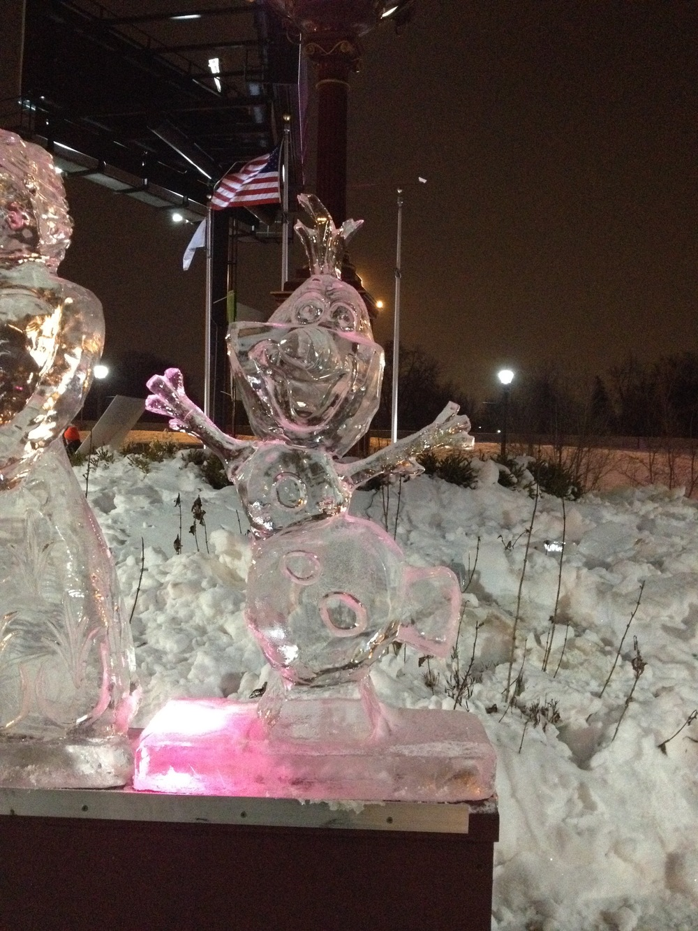 Street Sculpture Ice_Olaf.jpg
