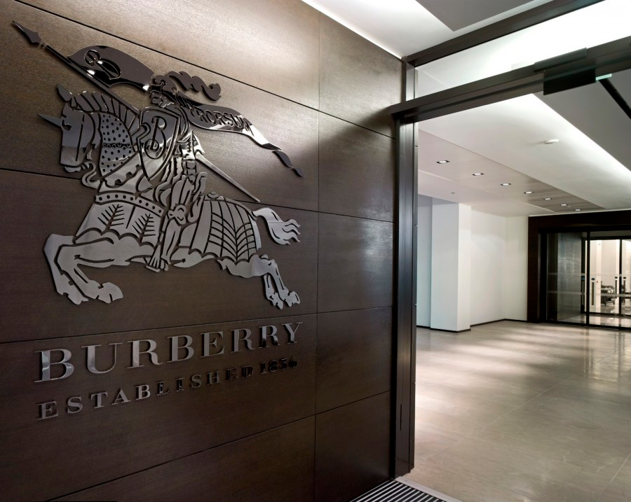 Design at Burberry, London -  I led first class growth e-commerce design and experiences to make them better and simpler to use for products such as Burberry.com, Burberry conversational commerce and omni-channel.2015 - 2018