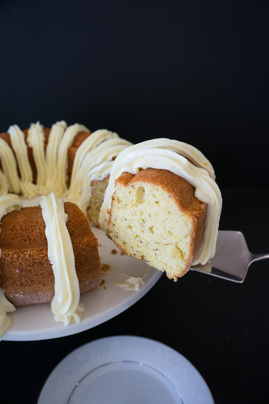Passion Orange Poppy Seed Bundt Cake || Haute in Paradise || @hauteinparadise