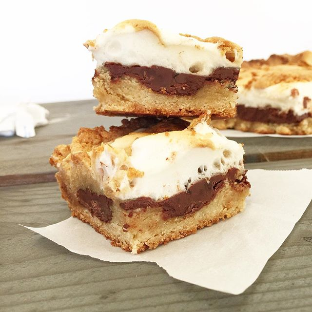 Happy Friday Everyone! Smores bars coming soon #yummy #s'mores #recipes
