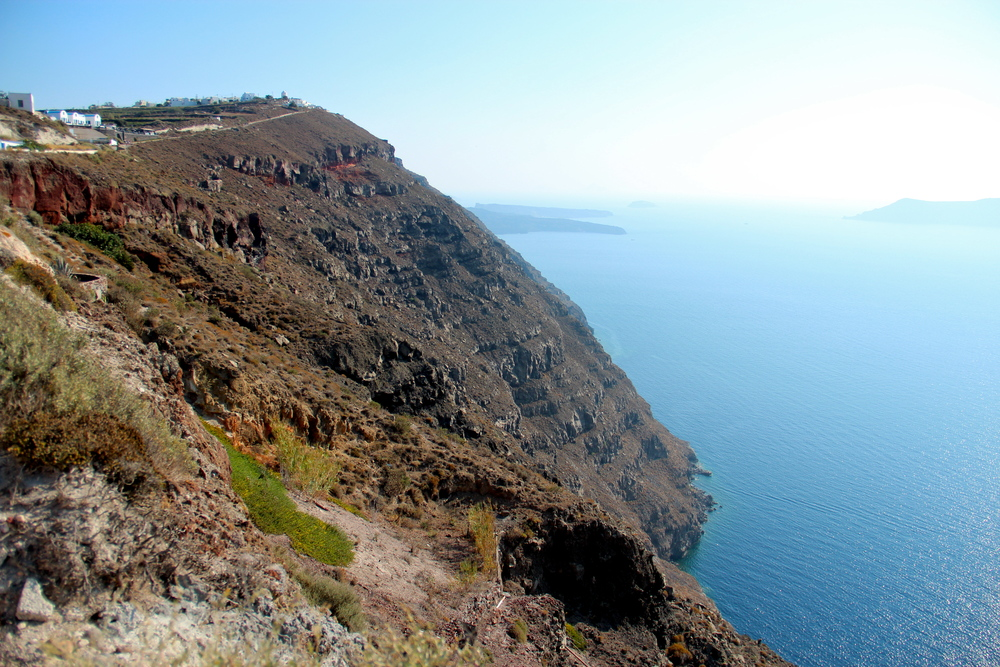 Cliffs on the outskirts of Fira.