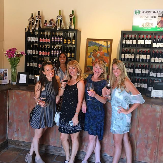 Friday's with Fred  Grab a glass, white or red Leave with a grin A good time sure to win!  @brandervineyard @rootedvinetours  #winetasting #wine #winetour #seesb #visitsyv #losolivos #santabarbara #california #littycommittee