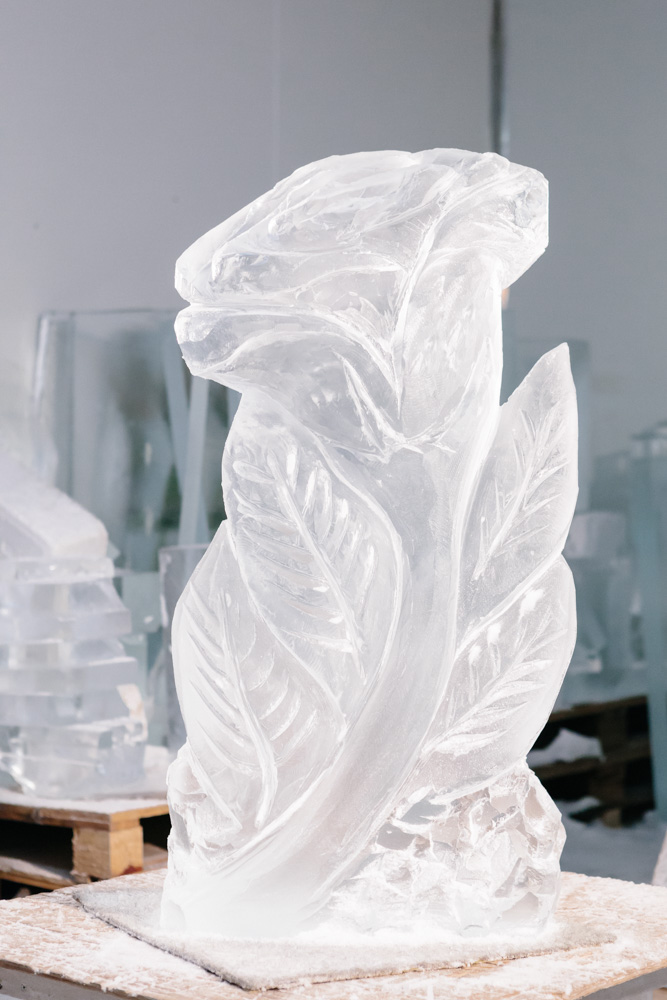 The completed ice sculpture by Anne Marie Taberdo.