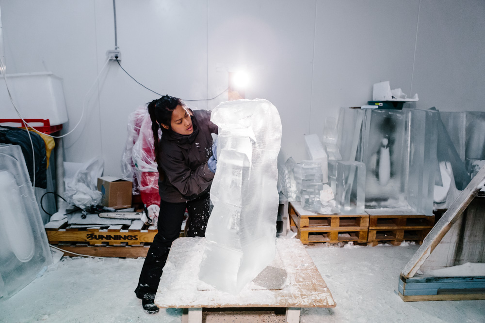 anne-marie-taberdo-ice-sculpture-33.jpg