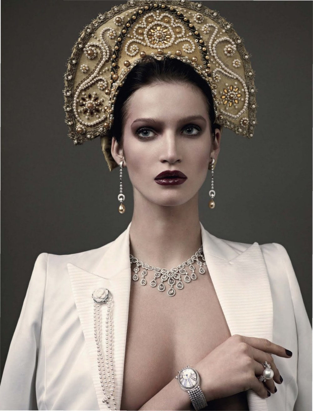 Vogue Russia April 2011, Model: Marta Berzkalna photographed by Mariano Vivanco
