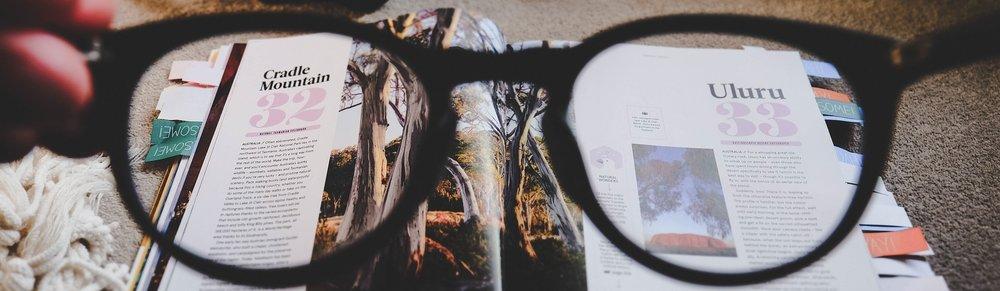 eyeglasses-2588607_1920.jpg
