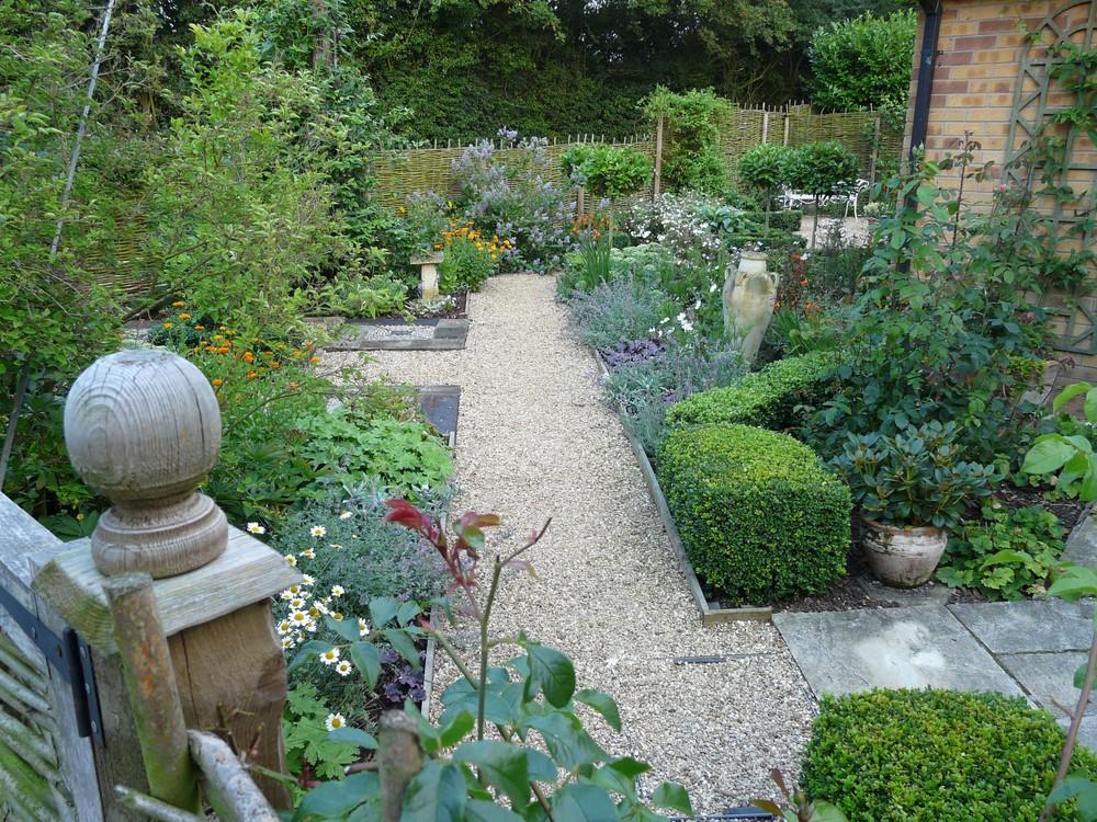 View in Fulbeck garden.jpg
