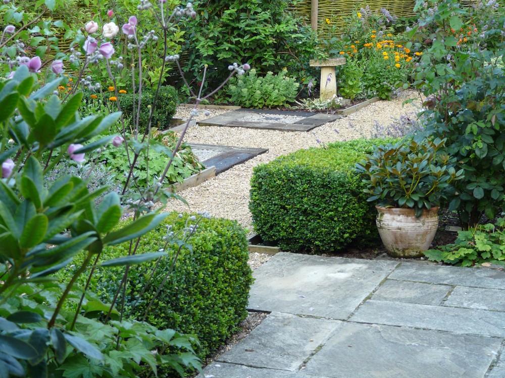 Path in Fulbeck garden.jpg