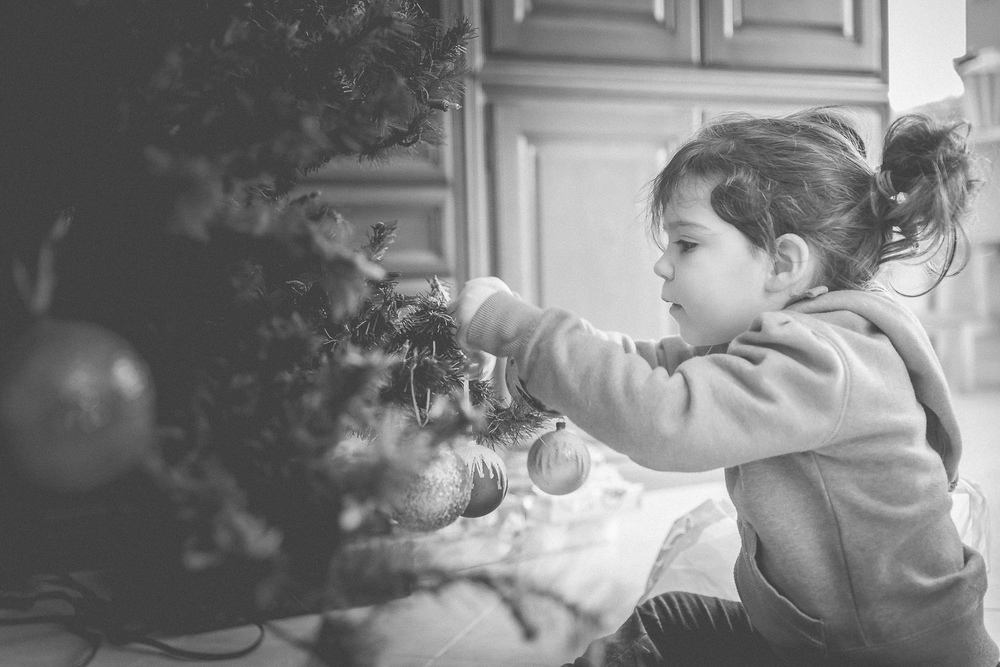 Black People Decorating For Christmas paola hazen photography
