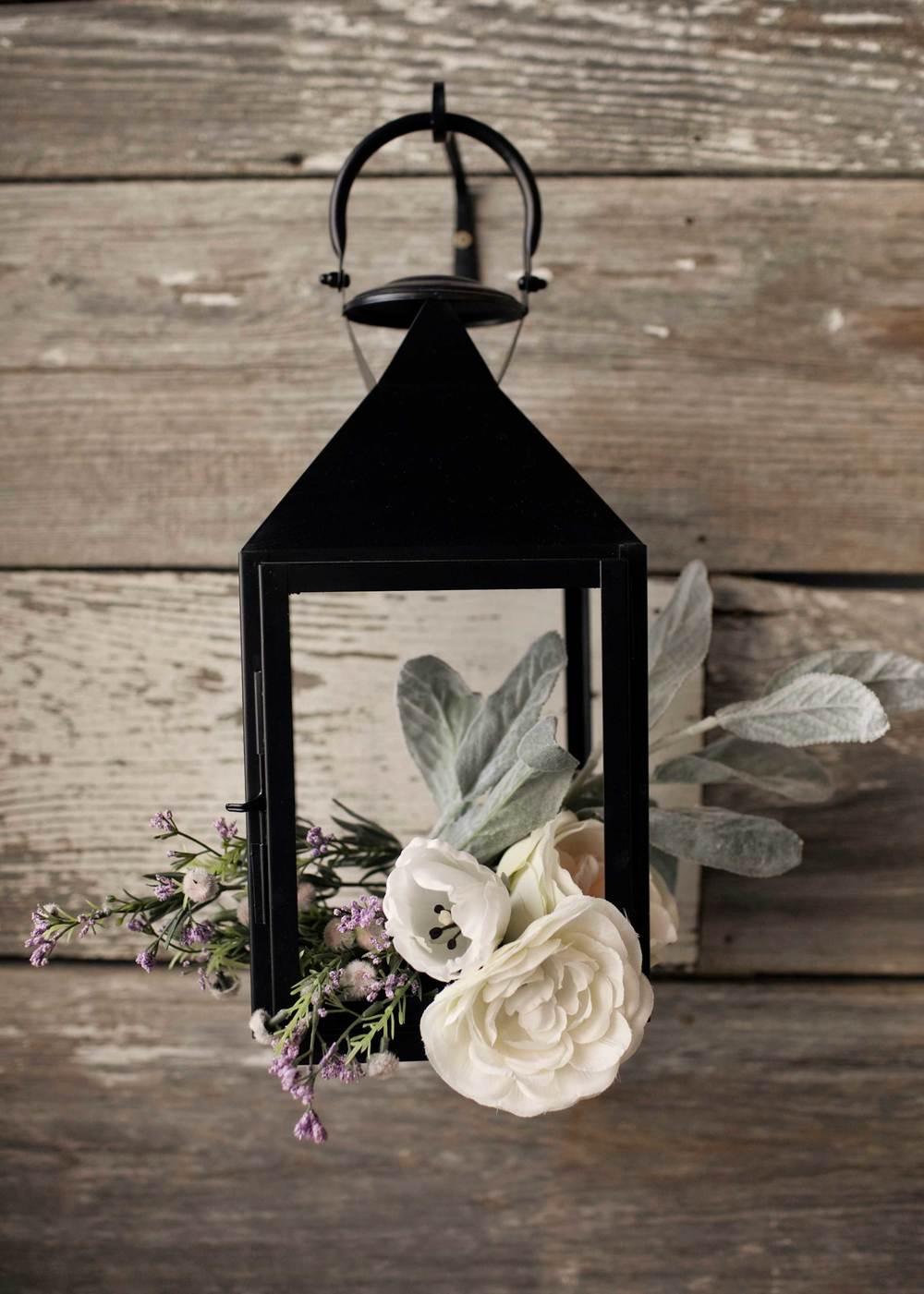 Spring lantern flowers