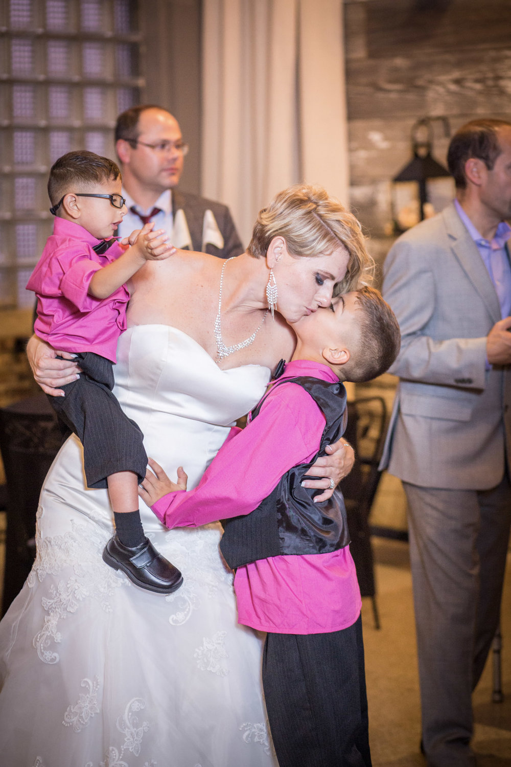 Kansas+City-Small+Wedding-Elope_Intimate_Ceremony_Mother's+Day_9.jpg