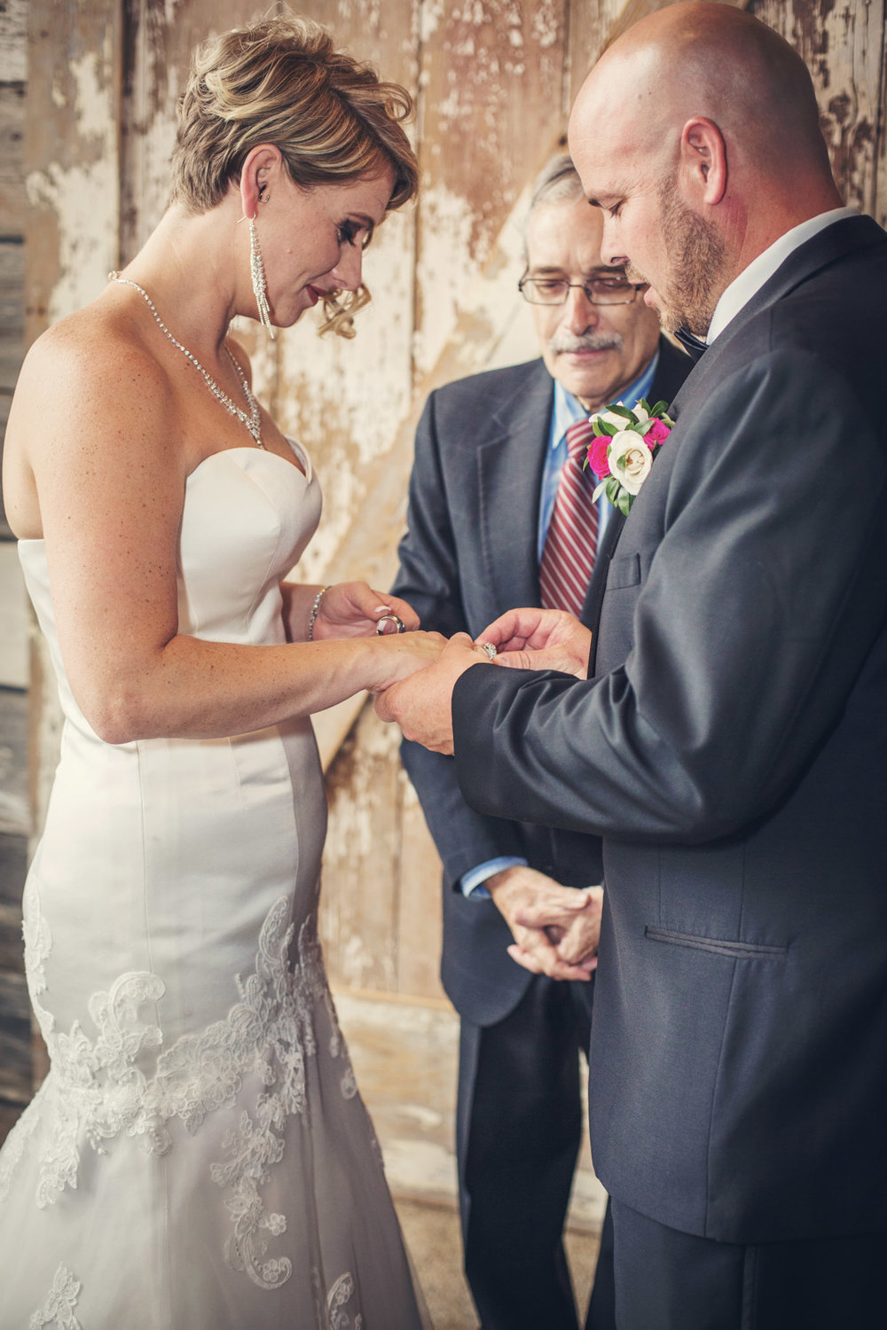 Kansas+City-Small+Wedding-Elope_Intimate_Ceremony_Melanie+David-6.jpg