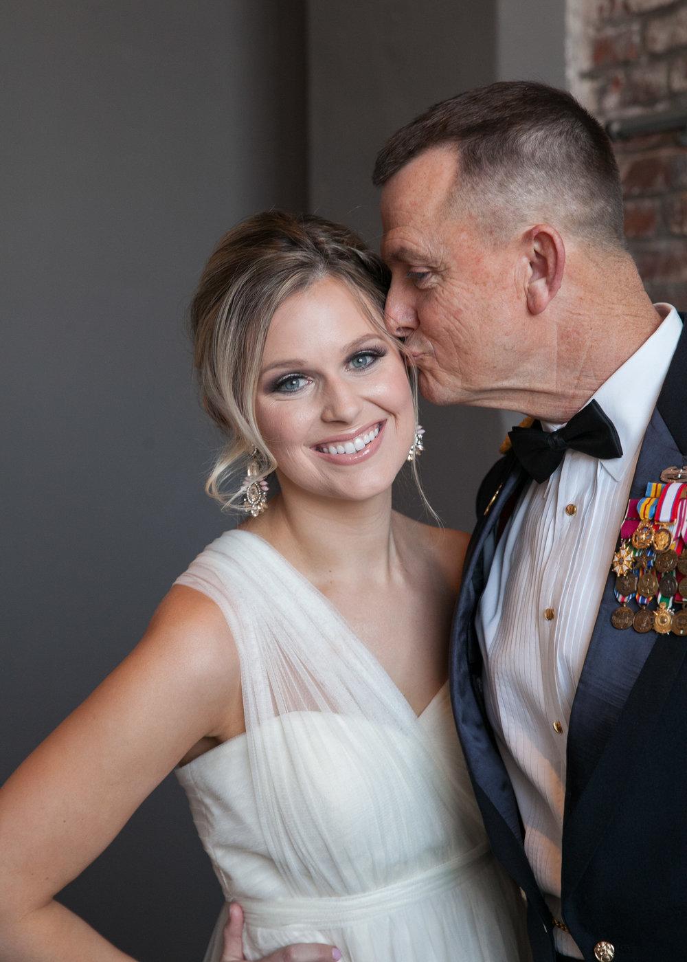 Kansas+City-Small+Wedding_Venue_Elope_Intimate_Ceremony_Memorial+Day_4.jpg