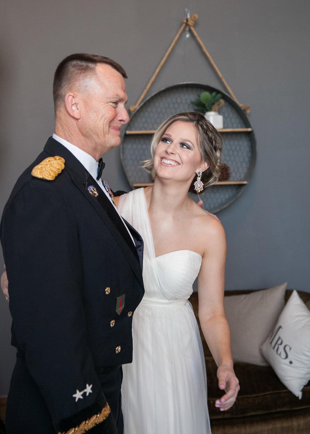 Kansas+City-Small+Wedding_Venue_Elope_Intimate_Ceremony_Memorial+Day_2.jpg
