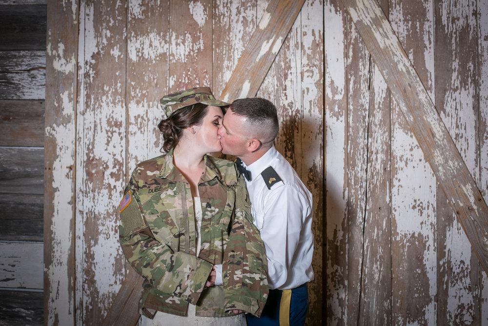 Kansas+City-Small+Wedding_Venue_Elope_Intimate_Ceremony_Memorial+Day_8.jpg