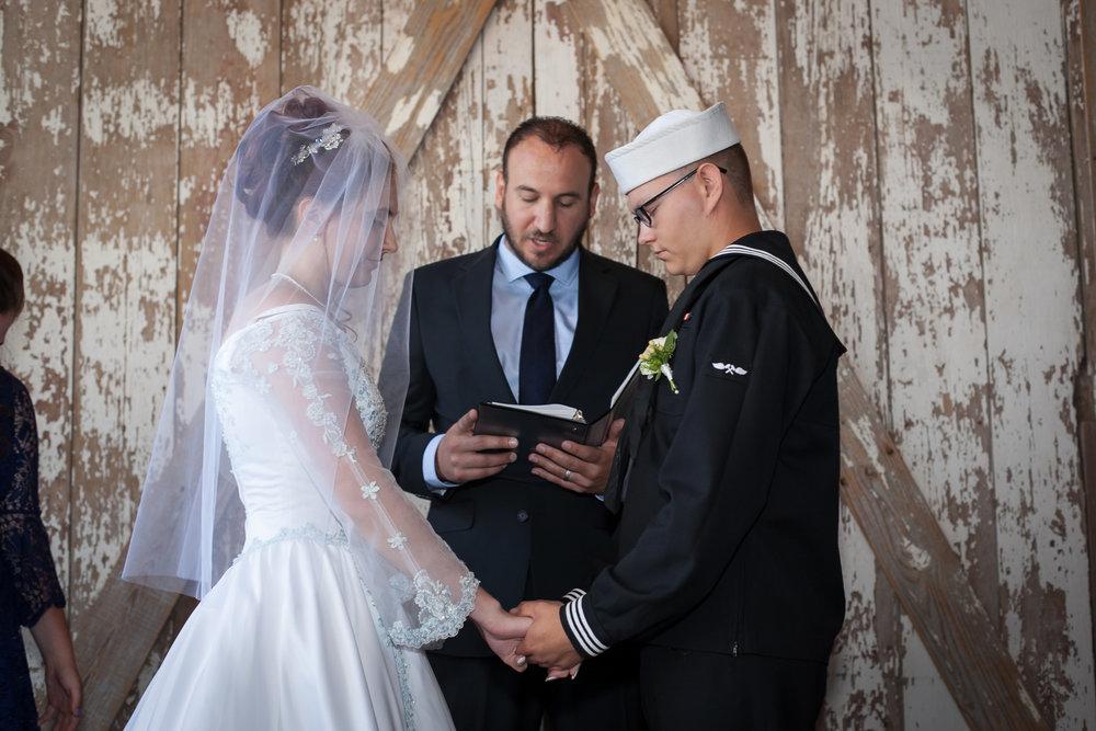 Kansas+City-Small+Wedding_Venue_Elope_Intimate_Ceremony_Memorial+Day_10.jpg
