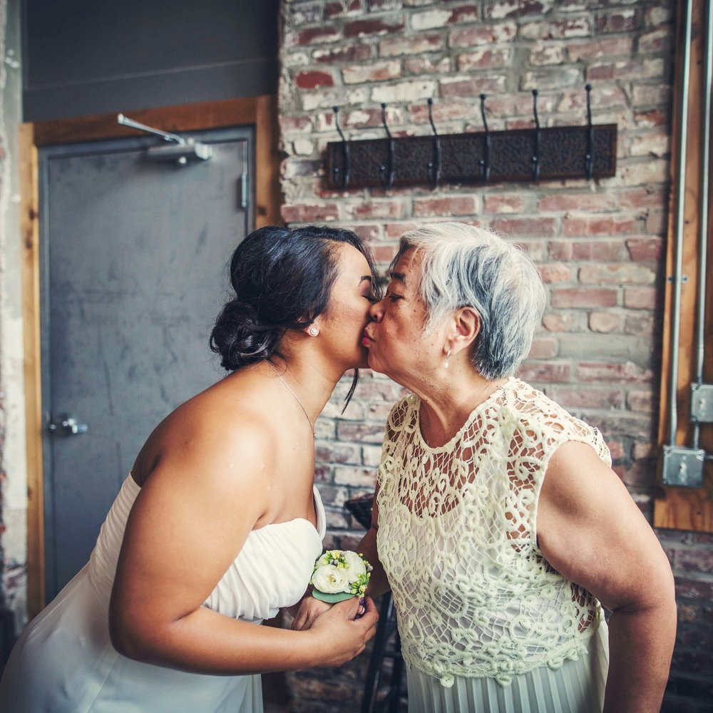Kansas+City_Small+Wedding_Venue_Elope_Intimate_Ceremony_Constance & Carissa-040b.jpg