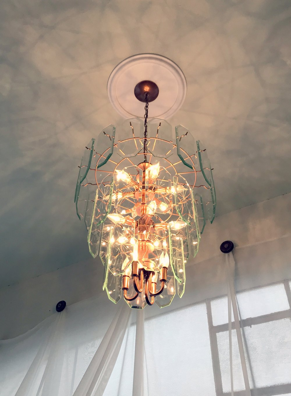 Kansas_City_Small_Wedding_Venue_Elope_Intimate_Ceremony_Budget_Affordable_CHANDELIER.jpg