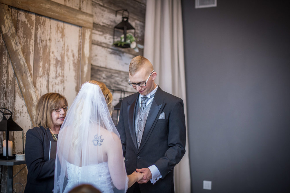 Kansas_City_Small_Wedding_Venue_Elope_Intimate_Ceremony_Budget_Affordable_Maranda&Neal-018.jpg