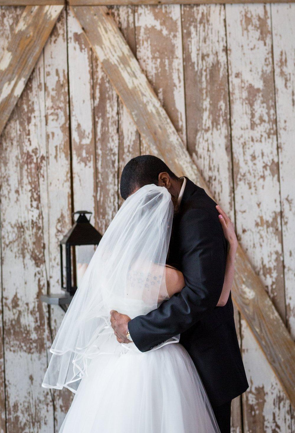 Kansas_City_Small_Wedding_Venue_Elope_Intimate_Ceremony_Budget_Affordable_15MinWedding-094.jpg