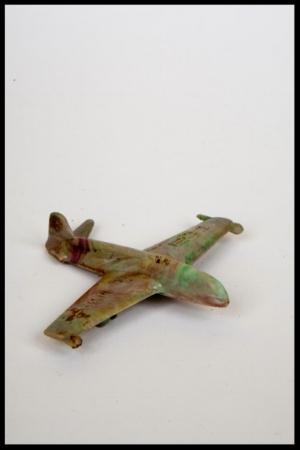 Toyairplane-373x560.jpg