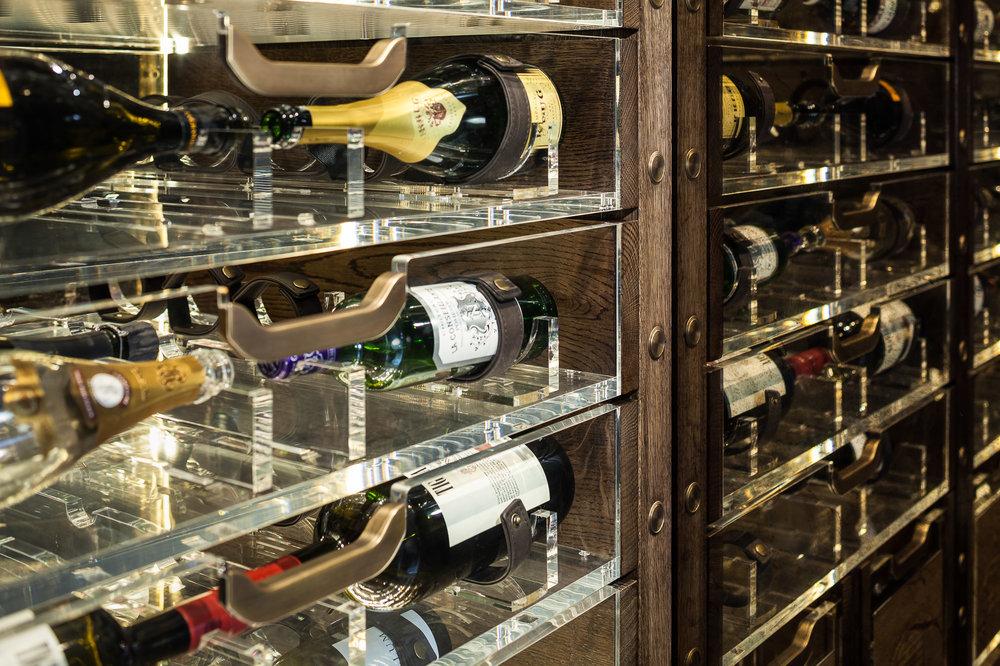 20170313_yacht_wine_cellar_0079.jpg