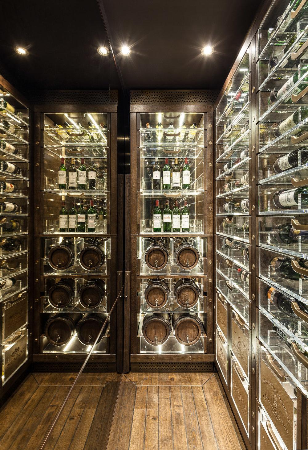 20170313_yacht_wine_cellar_0031.jpg