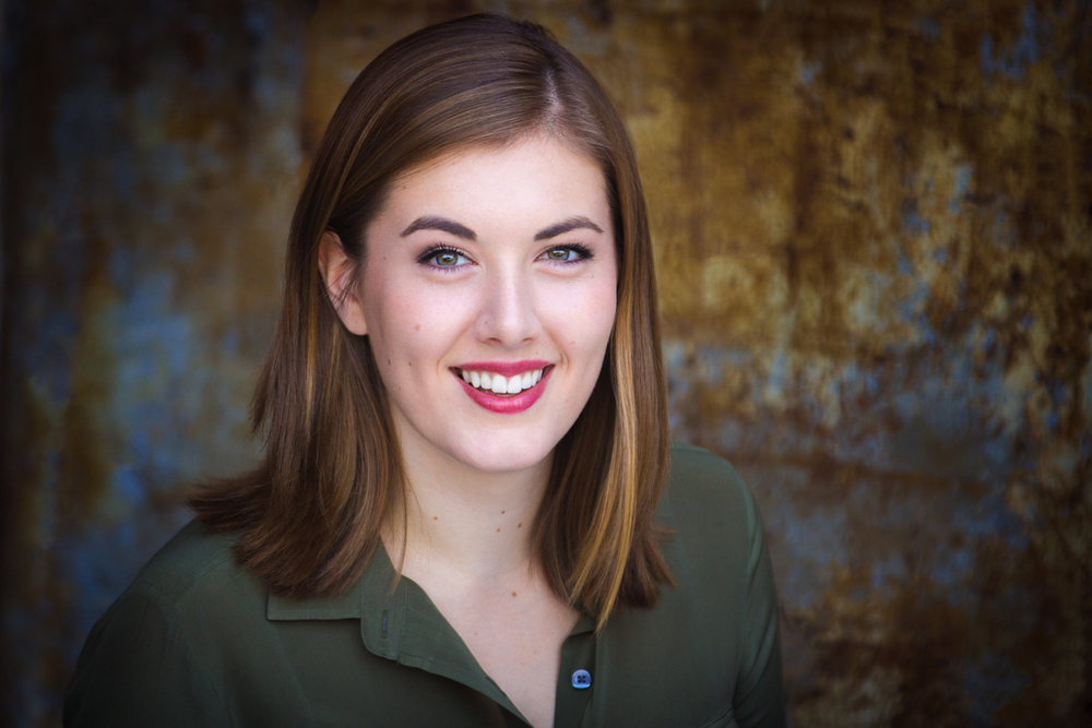 Don't waste time and money getting overpriced acting headshsots in New York or LA! Smart Boston actors like Alexandra Walsh get their professional acting headshots done at home before making the move to NYC or LA