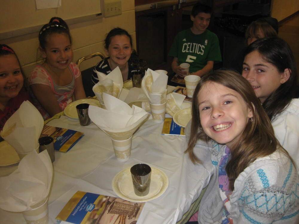 pesach at hebrew school 2011 044.JPG