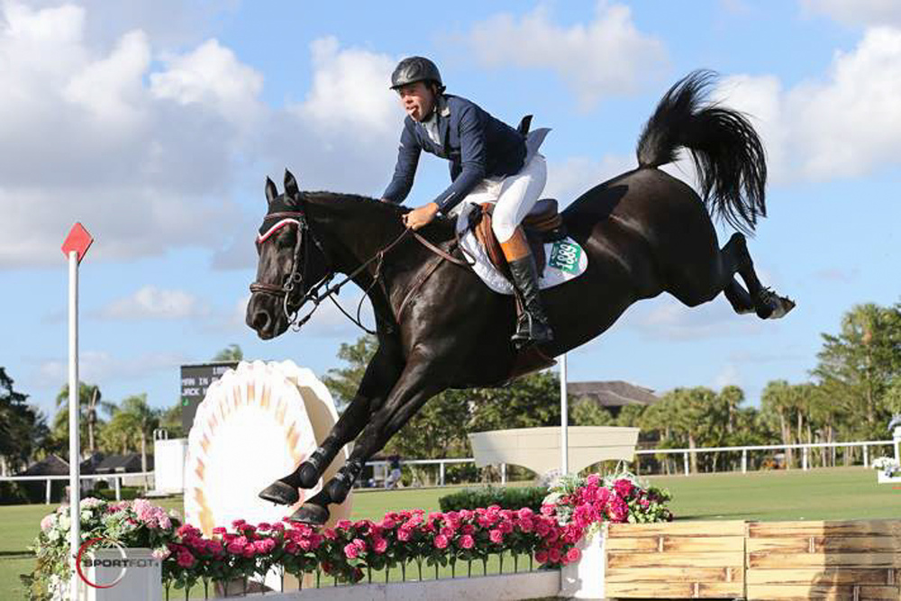 Hardin Towell And Man In Black Win 50 000 Ariat Grand