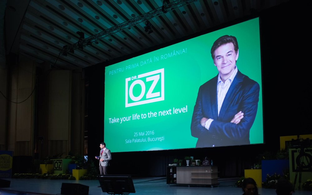 Dragos conferinta Dr Oz .jpg