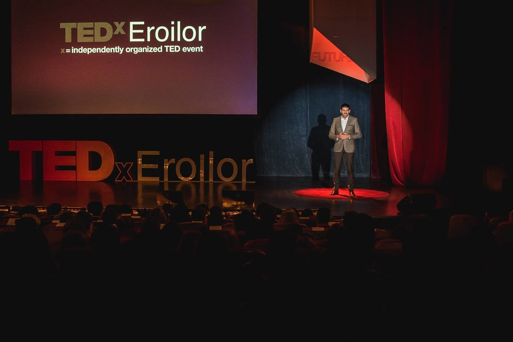 Dragos TedxEroilor 2017.jpg