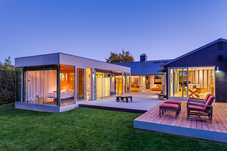 Suburban_House_Turned_Into_Contemporary_Style_Home_on_world_of_architecture_01.jpg