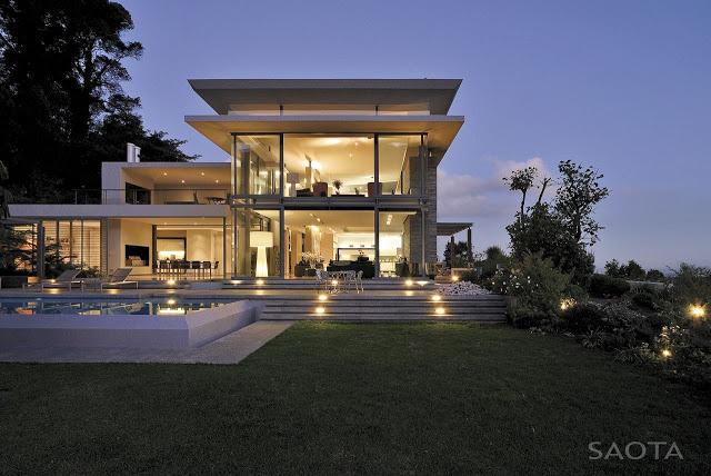 Modern_Villa_Montrose_House_by_SAOTA_Cape_Town_South_Africa_world_of_architecture_worldofarchi_02.jpg