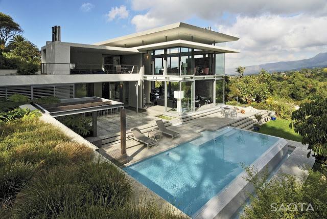 Modern_Villa_Montrose_House_by_SAOTA_Cape_Town_South_Africa_world_of_architecture_worldofarchi_01.jpg