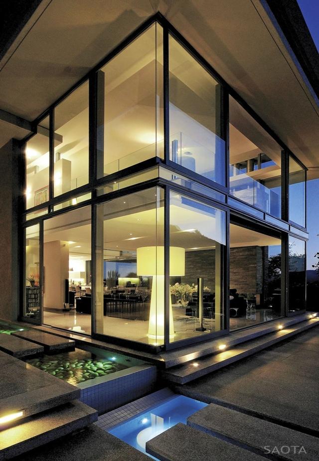 Modern_Villa_Montrose_House_by_SAOTA_Cape_Town_South_Africa_world_of_architecture_worldofarchi_04.jpg
