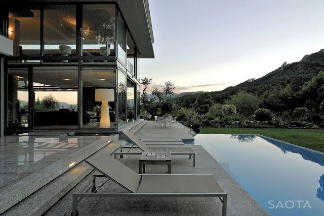 Modern_Villa_Montrose_House_by_SAOTA_Cape_Town_South_Africa_world_of_architecture_worldofarchi_07.jpg