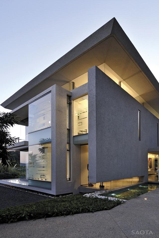 Modern_Villa_Montrose_House_by_SAOTA_Cape_Town_South_Africa_world_of_architecture_worldofarchi_06.jpg