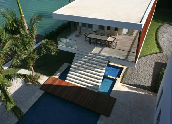 modern-waterfront-house-pool-design-2.jpg