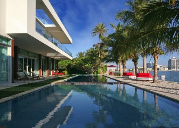 modern-waterfront-house-pool-design.jpg