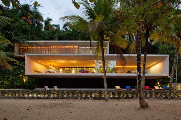 Modern_Beach_House_In_Brazil_by_Marcio_Kogan_on_world_of_architecture_01-1.jpg