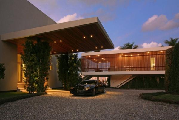 contemporary-luxury-waterfront-house-miami-1.jpg