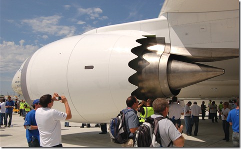 1336675773-Dreamliner-Engine-photo-1.jpg